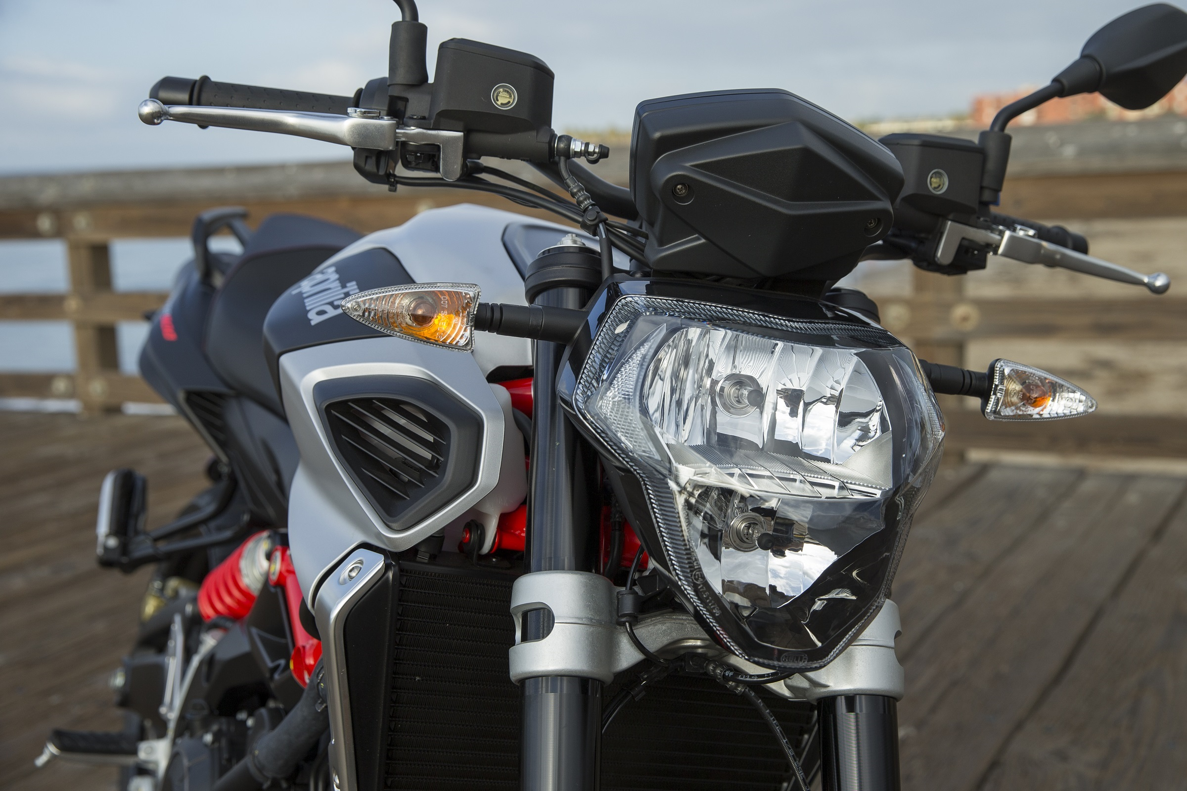 Aprilia Shiver 900 headlight